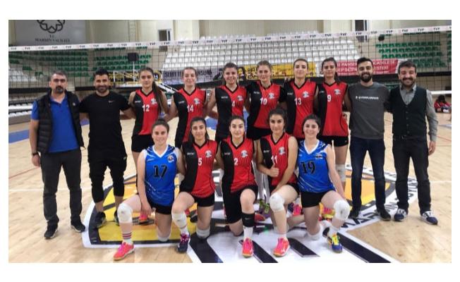 Büyükşehir Kadın Voleybol Takımı lige hızlı başladı