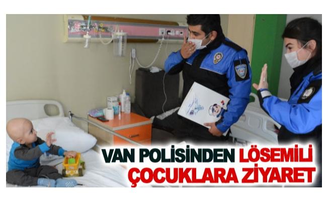 Van polisinden lösemili çocuklara ziyaret