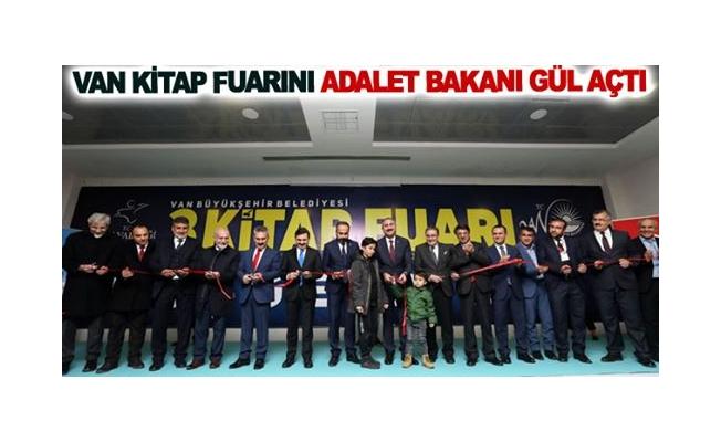 Van Kitap Fuarını Adalet Bakanı Gül açtı