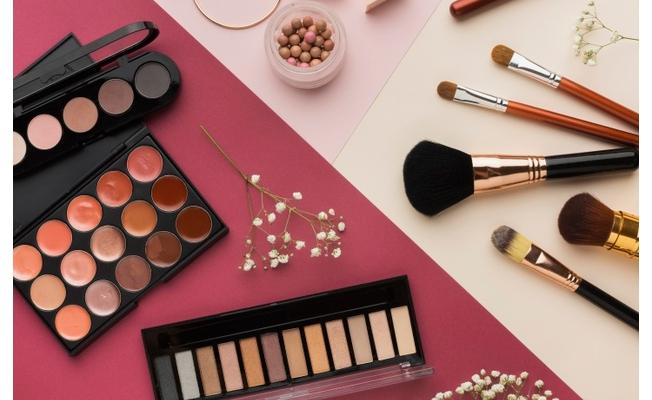 Güzelliğinizi Ortaya Çıkaracak Makyaj Ürünleri