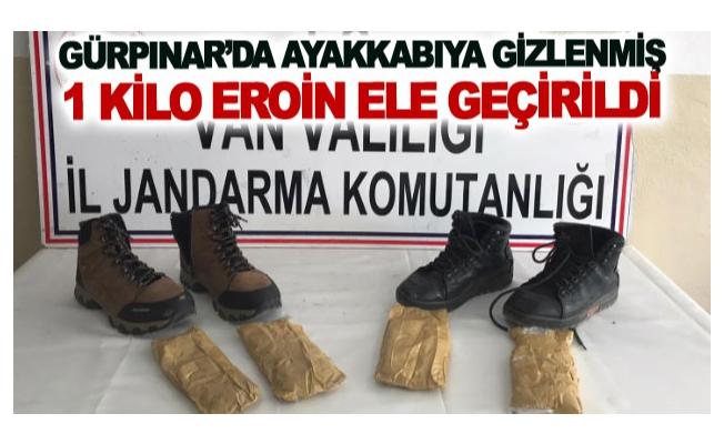 Gürpınar'da ayakkabıya gizlenmiş 1 kilo eroin ele geçirildi