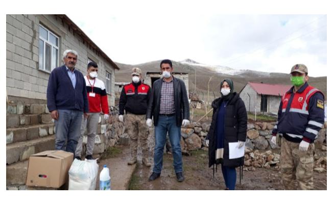Erciş'te 'Vefa Sosyal Destek Grubu' gönülleri fethediyor