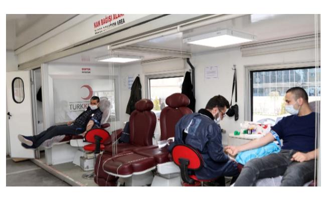 Van Büyükşehir Belediyesi personelinden kan bağışı