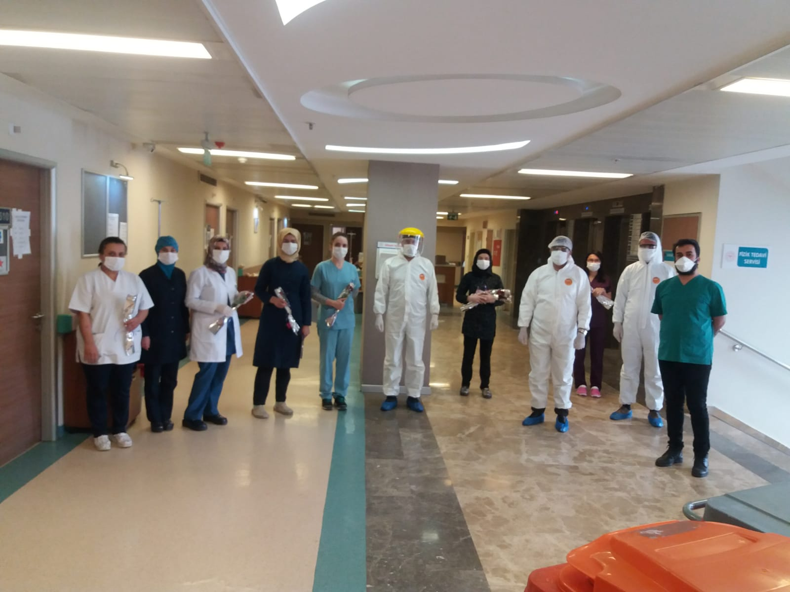Sağlık Müdürü Sünnetçioğlu'dan Korona Tedavisi Gören Hastalara ''Anneler Günü'' Ziyareti