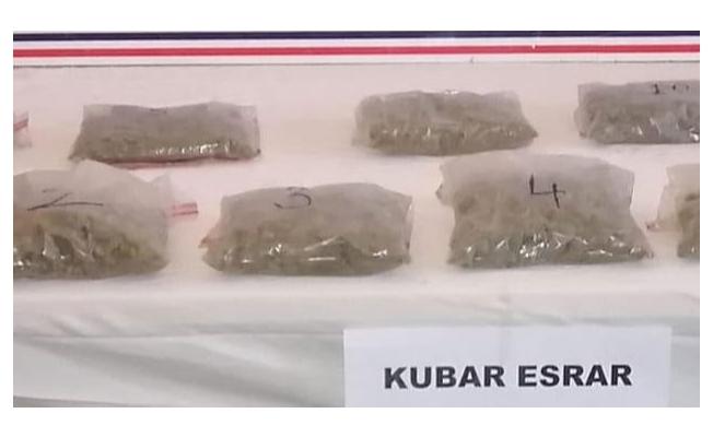 Van'da bin gram kubar esrar ele geçirildi