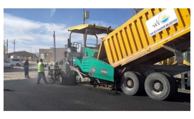 Saray ilçesinde yol ve asfalt çalışması