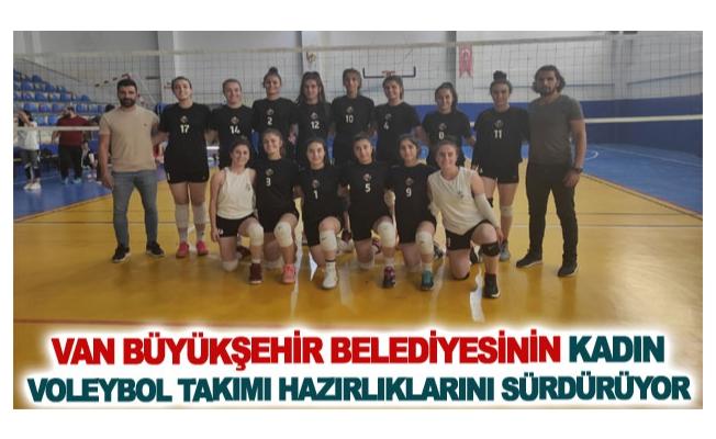 Van Büyükşehir Belediyesinin kadın voleybol takımı hazırlıklarını sürdürüyor
