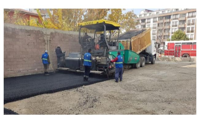 Büyükşehir Belediyesi ilçe duraklarını asfaltlıyor