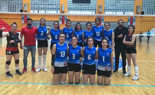Van Büyükşehir'in bayan Voleybol takımı başarıya doymuyor