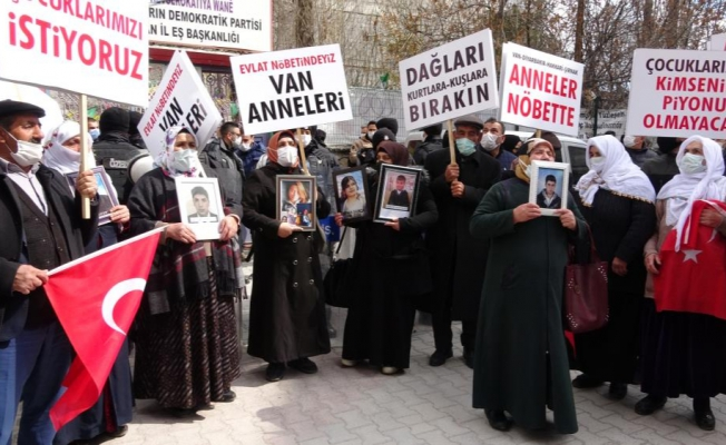 Van'da çocuklarını PKK'dan isteyen ailelerin sayısı artıyor
