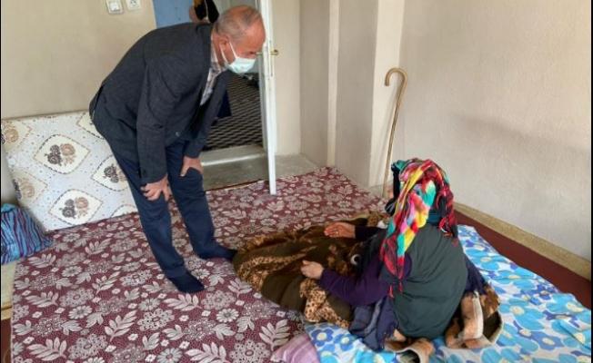 Başkan Akman'dan bayram günü anlamlı ziyaret