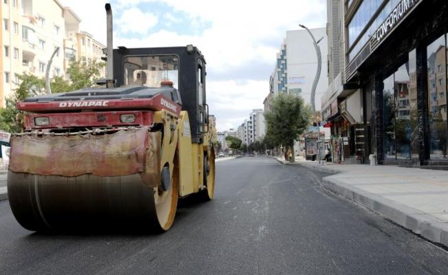 Sıhke Caddesi'nde sıcak asfalt serimi başladı