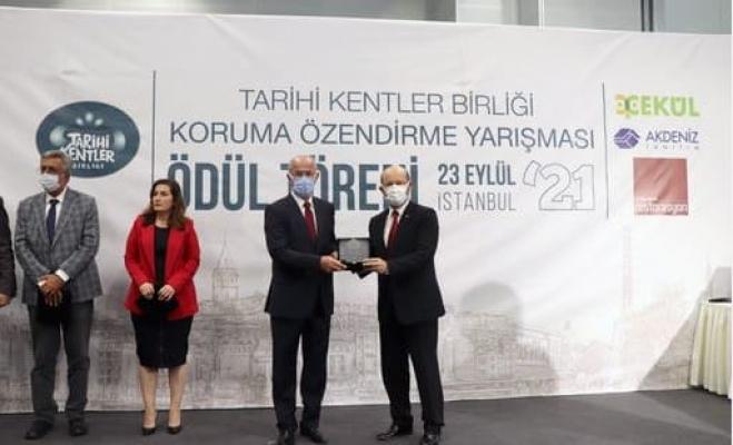 Tuşba Belediye'sinin Bedesten Çarşısı Projesi'ne ödül