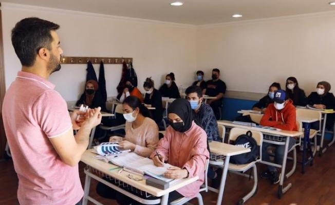 Büyükşehir Sürekli Eğitim Merkezi 647 öğrenciyle sezona başladı