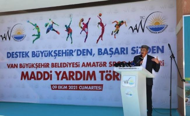 Van Büyükşehir'den amatör kulüplere 1 milyon liralık destek