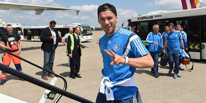 Galatasaray Podolski'yi transfer etti!Podolski imzaya geliyor!