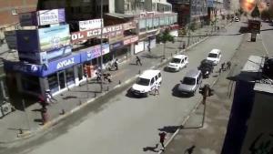 Van'da bombalı saldırıda dehşet anları Mobese kamerasında