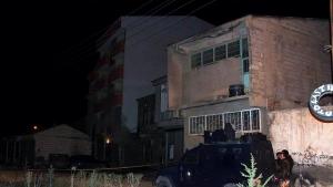 Van'da Ak Parti Muradiye ilçe binasına el bombalı saldırı