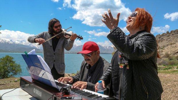 Akdamar Adası'nda müzik ziyafeti