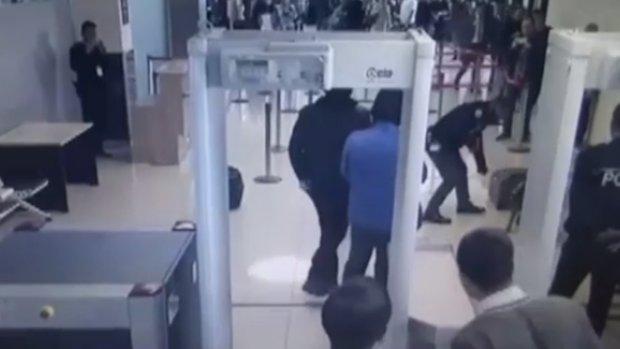 Van Ferit Melen Havalimanı'nda operasyon!