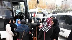 Van'dan Halep'e 100 araçlık konvoy